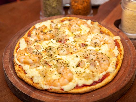 Pizza con jaiba, camarón y queso