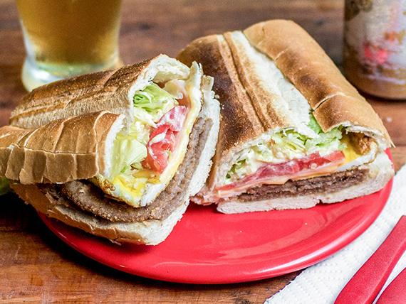 Promo para 2 personas - 2 sándwiches de milanesa + gaseosa