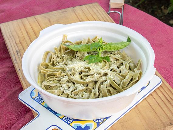 Fetuccini de espinaca y ajo