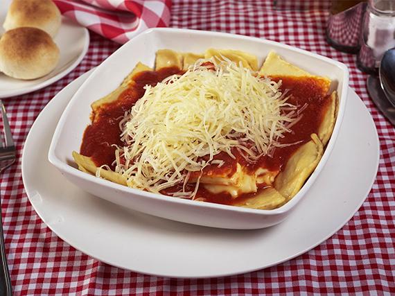 Tripasta especial con salsa