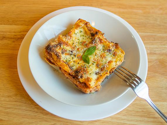 Lasagna con bologna