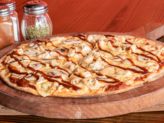 Pizza de pollo BBQ