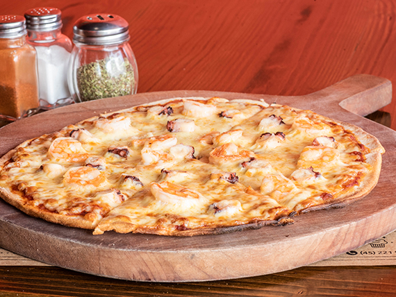 Pizza de pulpo y camarón