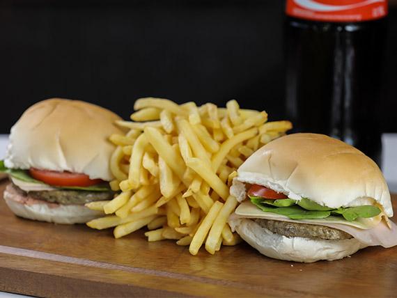 Promo 3 - 2 hamburguesas completas + 2 porciones papas fritas + Coca Cola 1 L
