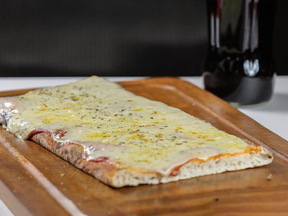 Promo 2 - 1/2 m pizza muzzarella + Coca Cola 1 L