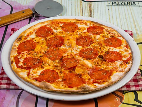 Pizza con pepperoni (tamaño mediano)