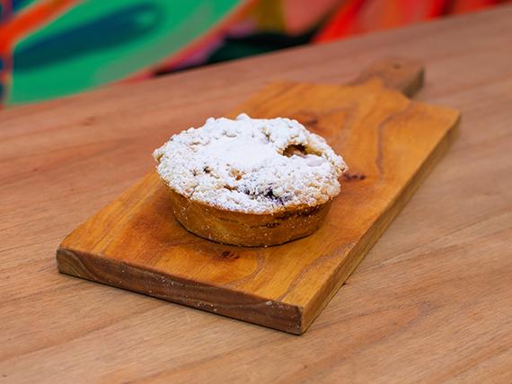 Mini tarta de manzana y arándanos