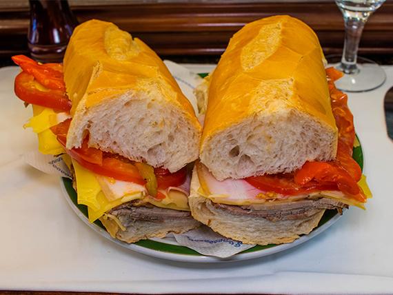 Sándwich de peceto completo