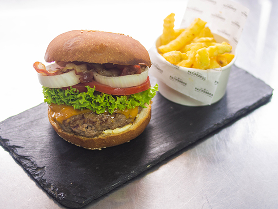Cheddar jalapeño burger