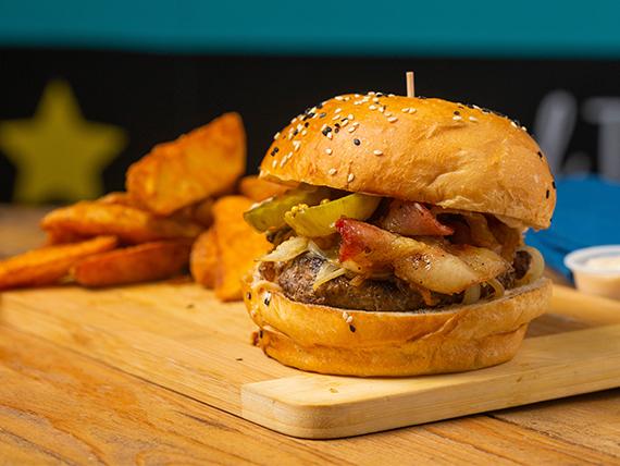 Burgerhause con papas fritas + bebida