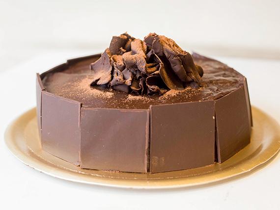 Torta con cobertura de chocolate