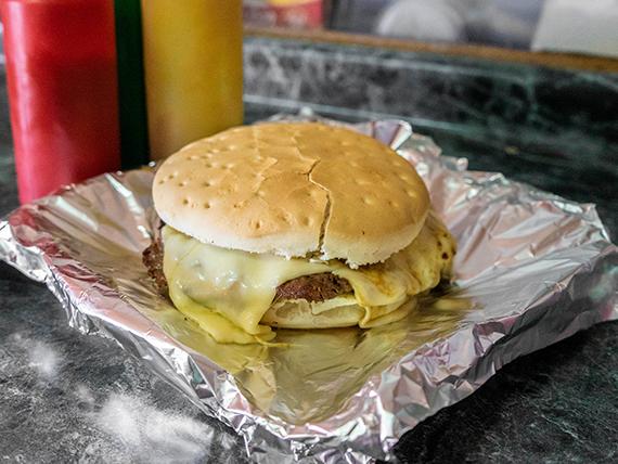 Promo - Sándwich churrasco con queso + Coca Cola 350 ml