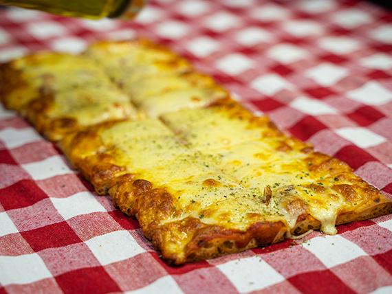 1/2 metro de pizza muzzarella