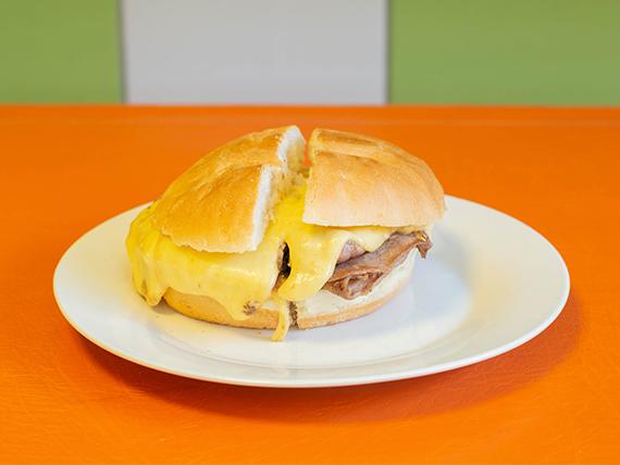 Promo 8 - 2 sándwiches barros luco + bebida 1.5 L