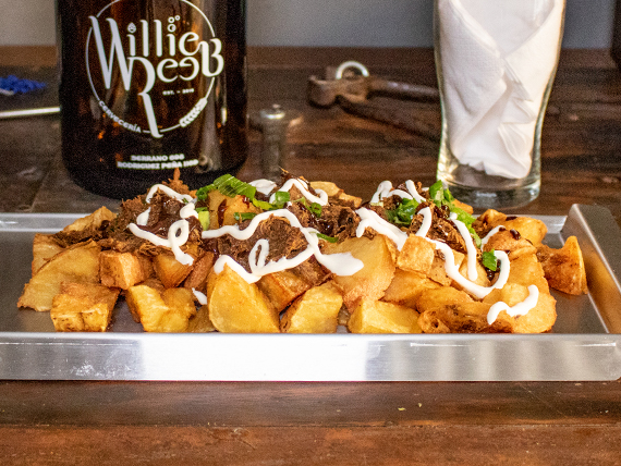 Papas o batatas pulled pork