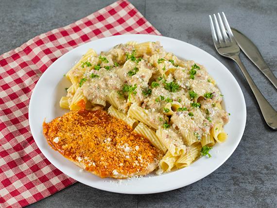 Pechuga de pollo a la parmesana + 3 contornos + crema del día