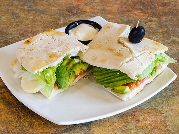 Sándwich pita vegetariano