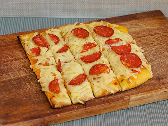 Pizza muzzarella con gusto