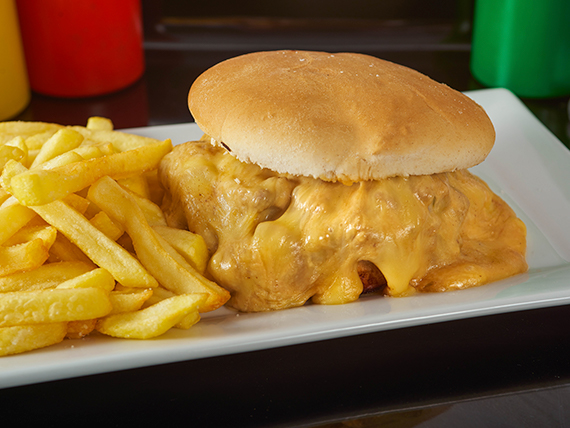 Promoción - Churrasco a elección con papas fritas + Bebida en lata 330 ml