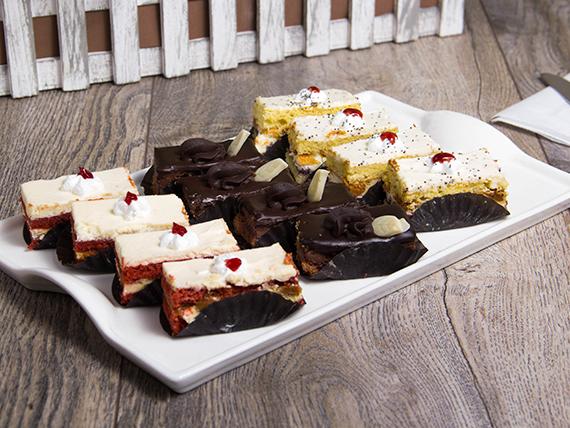 Promo - Bandeja de 12 mini pasteles surtidos