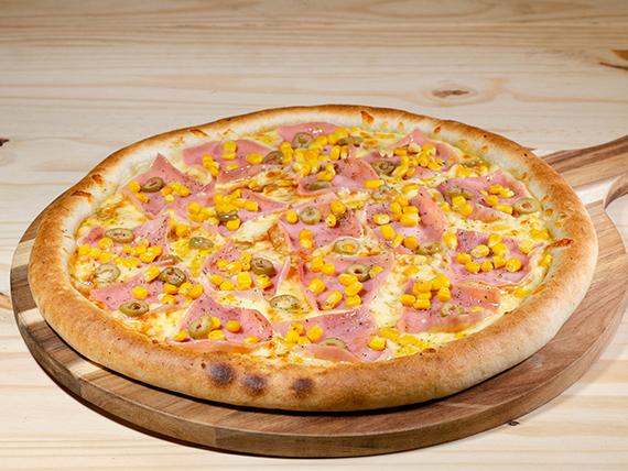Pizza con jamón familiar