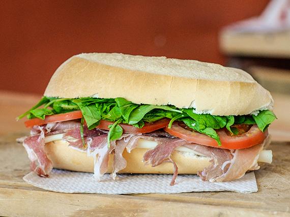 Sándwich especial crudo