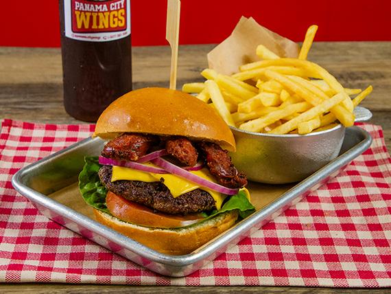 Burger PCW  especial + acompañamiento + té frío