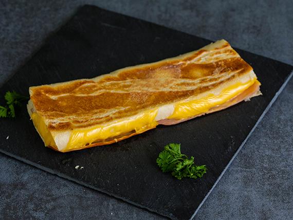 Derretido de jamón y queso paisa