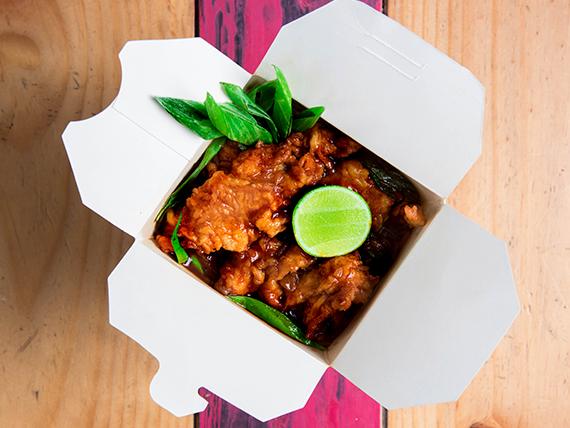 Pollo tempura / gai pad nam phrik pao