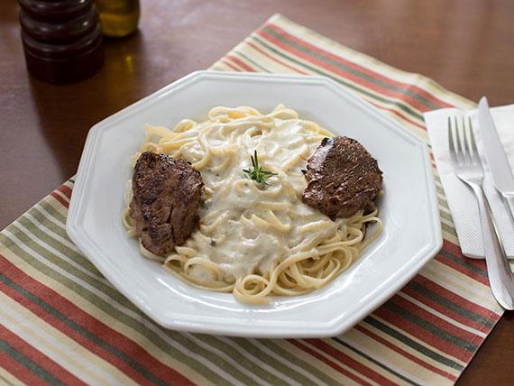 Spaghetti ao molho de 4 queijos