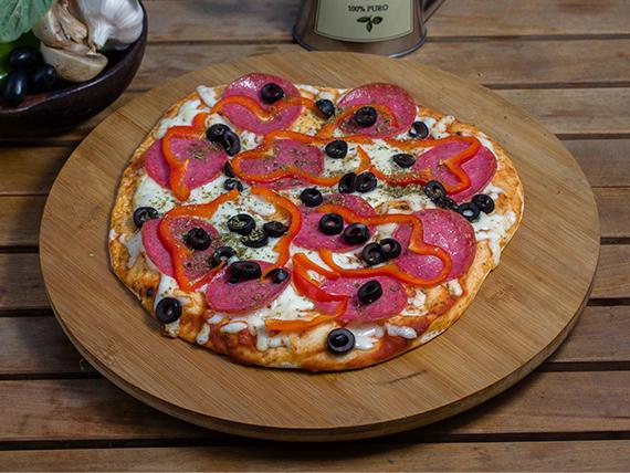 """Pizza """"la roja"""""""