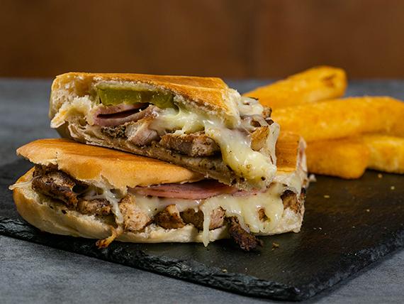 Combo - Sándwich el cubano + acompañamiento + bebida