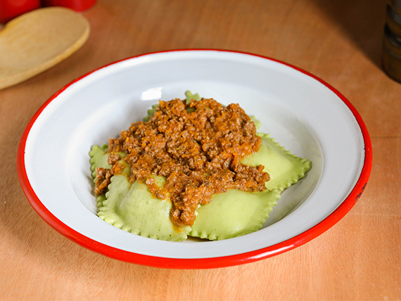 Raviolones de verdura y muzzarella (masa de espinaca - 7 unidades)