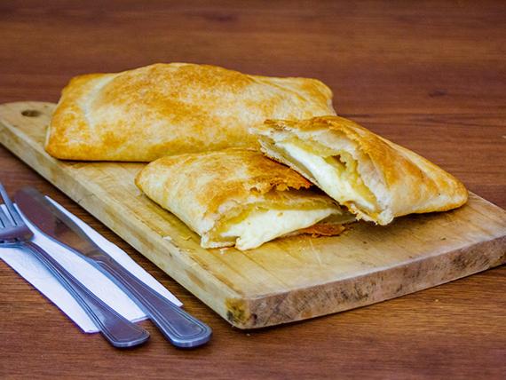 Empanada hoja de queso (17 cm)