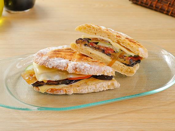 Sándwich vegetariano sin gluten