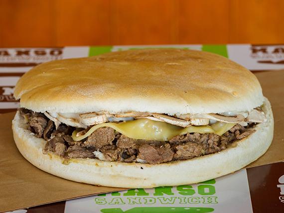Manso sándwich de champignon y queso