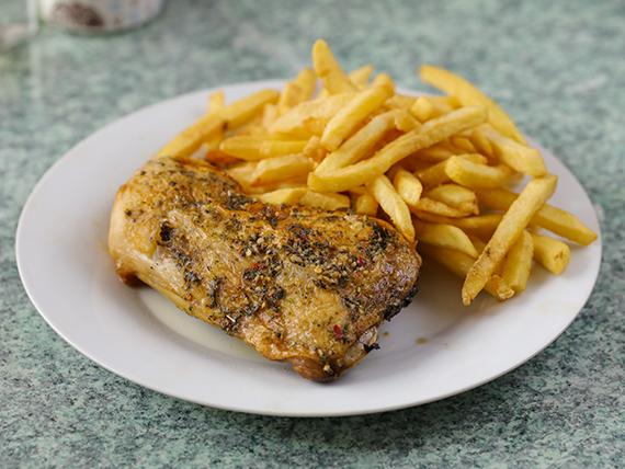 Lunes - Pollo al horno con guarnición + pan + postre