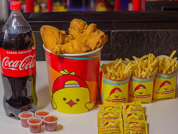 Combo - 12 presas de pollo surtidas + 3 papas grandes + Coca Cola 2 L