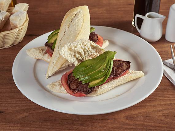Sándwich de filete de res