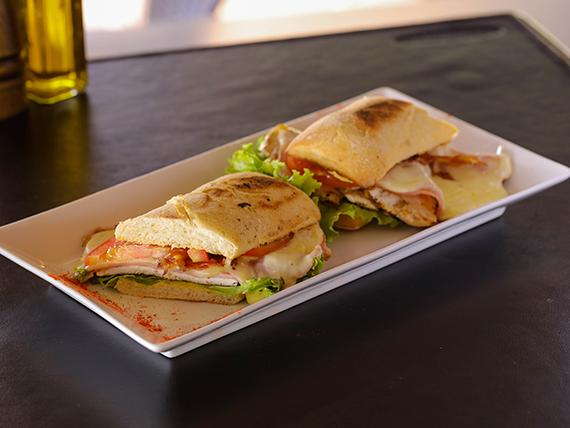 Club sándwich pechuga grillada