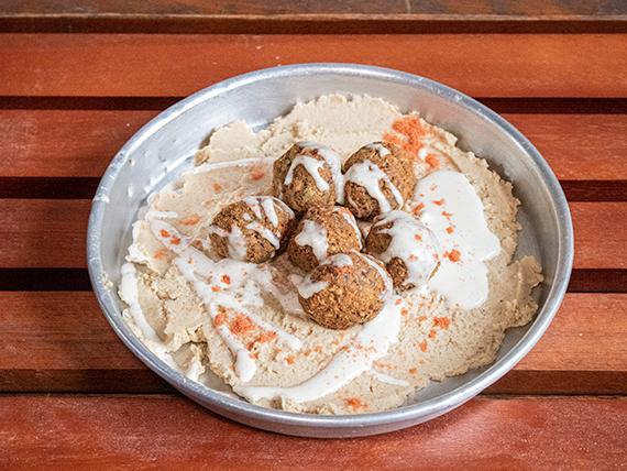 Hummus con falafel