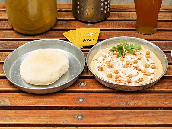 Hummus en pan pita