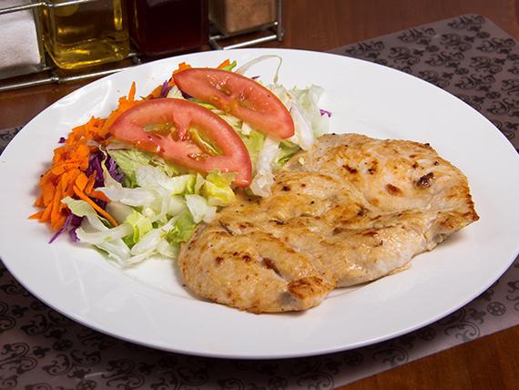 Pechuga a la plancha con ensalada