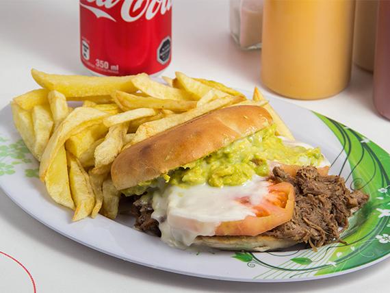 Combo 1 - Sándwich de carne mechada + papas fritas + bebida 350 ml