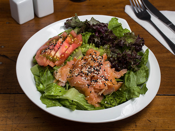 Ensalada de salmón Traff