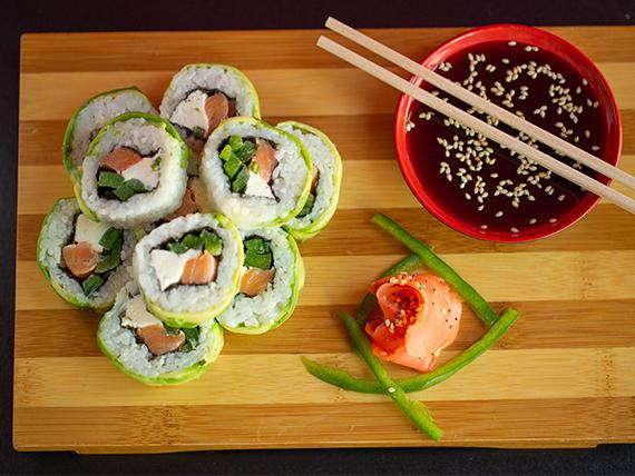 Avocado sake roll (10 piezas)