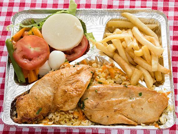 Marmitex 13 - Filé de frango, arroz à grega, feijão, fritas e salada