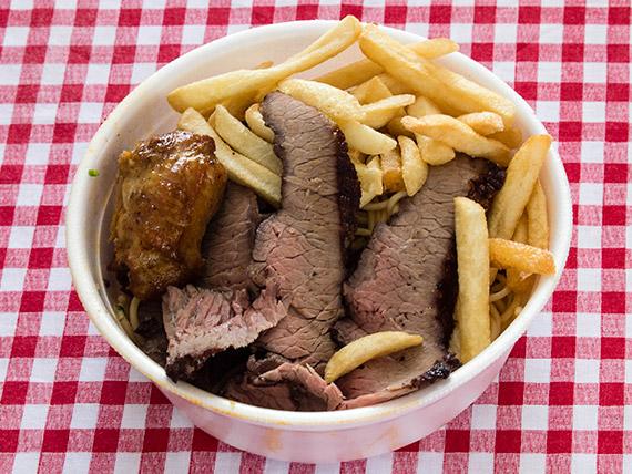 Marmitex 3 - Churrasco, macarrão, alho e óleo, frango e fritas
