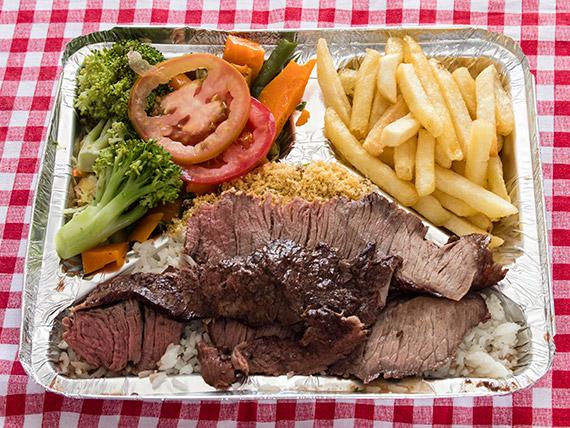 Marmitex 12 - Churrasco, arroz, feijão, salada e fritas
