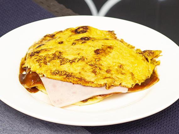 Arepa Jamón y Huevo